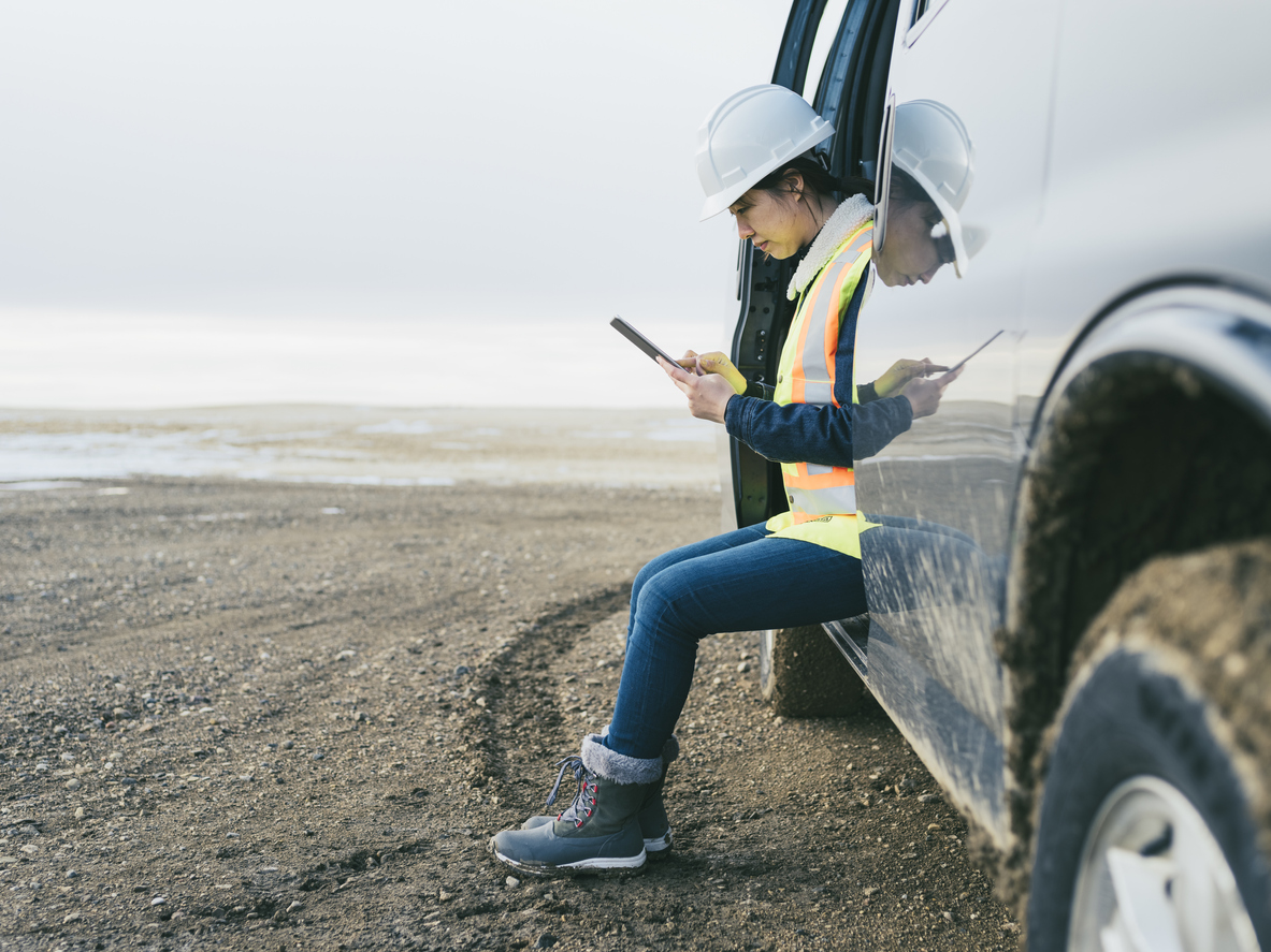 Dynamic Workforce Communication: In The Shoes of a Field Worker